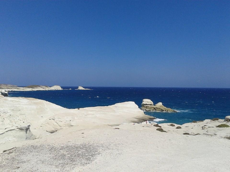 Sarakiniko Milos spiaggia bianca