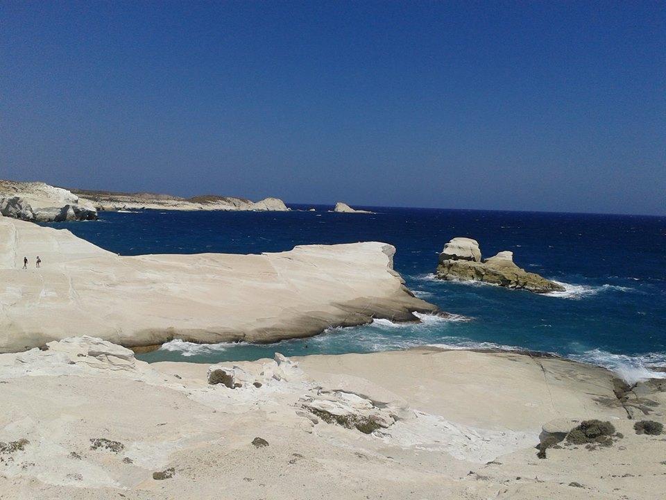 Sarakiniko spiaggia bianca roccia